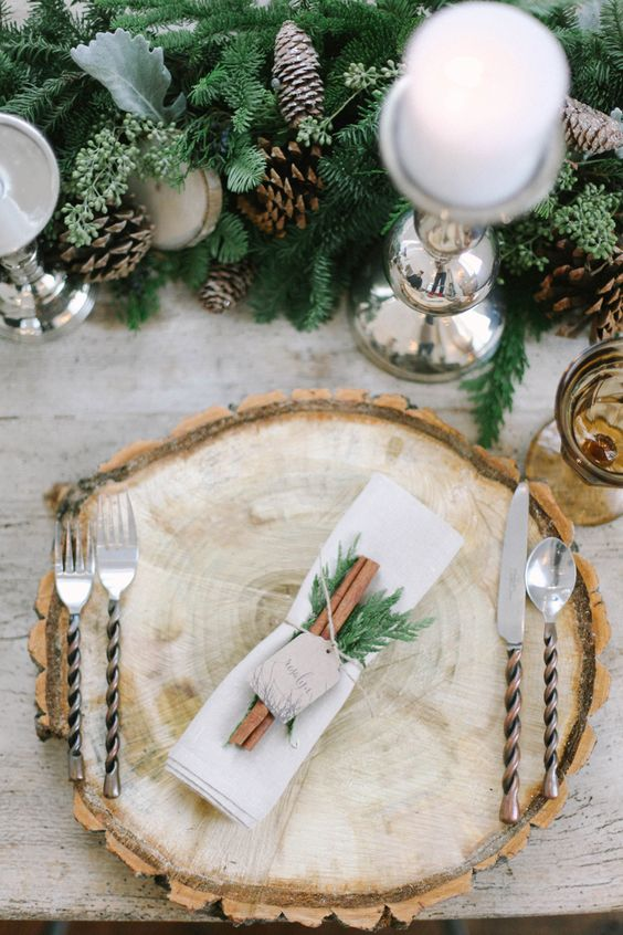 25 cozy rustic christmas table d cor ideas shelterness Christmas place setting ideas