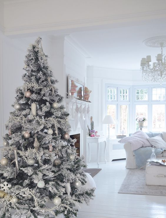 snowy white and pastel tree for a wwhitewashed living room