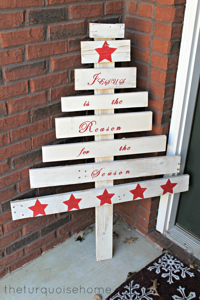 DIY white pallet tree with red paint decor (via theturquoisehome.com)