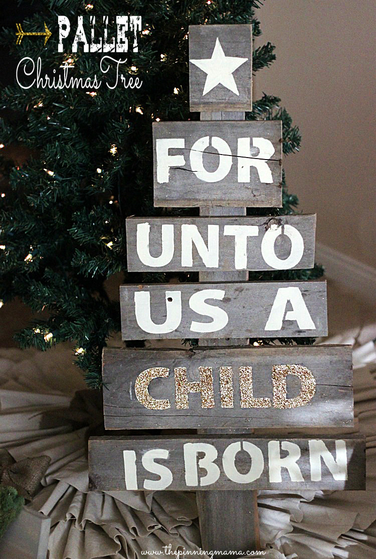 DIY Upcycled Pallet Tree With Quotes (via Www.thepinningmama.com)