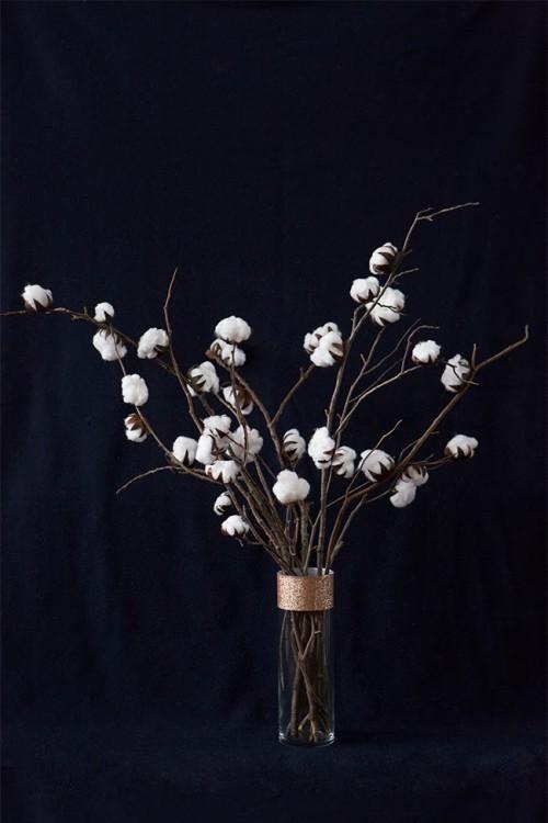 DIY cotton plant centerpiece with a glitter vase (via www.shelterness.com)