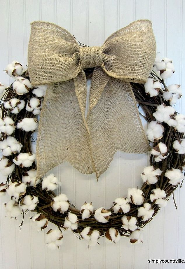 DIY grapevine wreath with cotton and a burlap bow