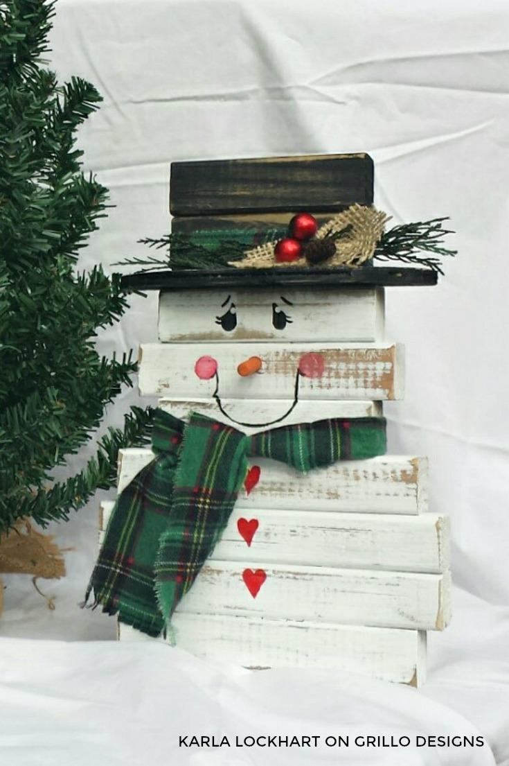 DIY easy wooden snowman decor for outdoors (via grillo-designs.com)