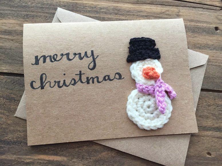 DIY crochet snowman Christmas card (via www.handcraftedvintage.com)