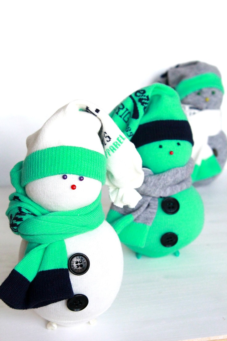 DIY stuffed sock snowman (via theseamanmom.com)