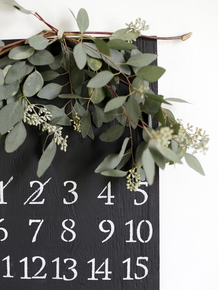 DIY wooden chalkboard advent calendar (via themerrythought.com)