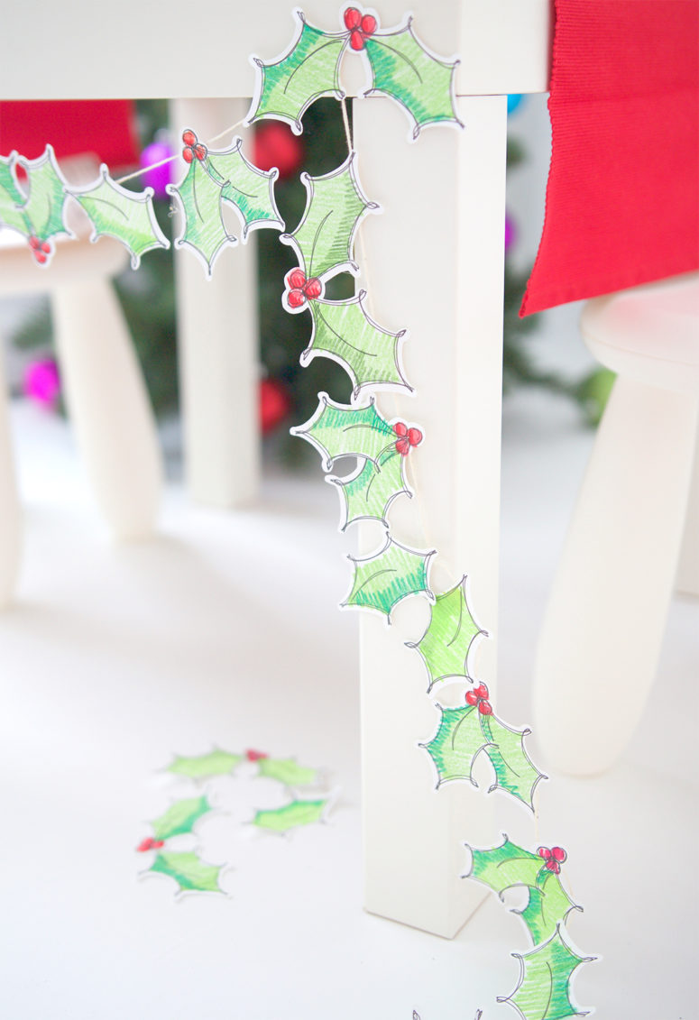 13 cute diy holly themed christmas crafts shelterness diy christmas holly garland of paper via damasklove solutioingenieria Choice Image