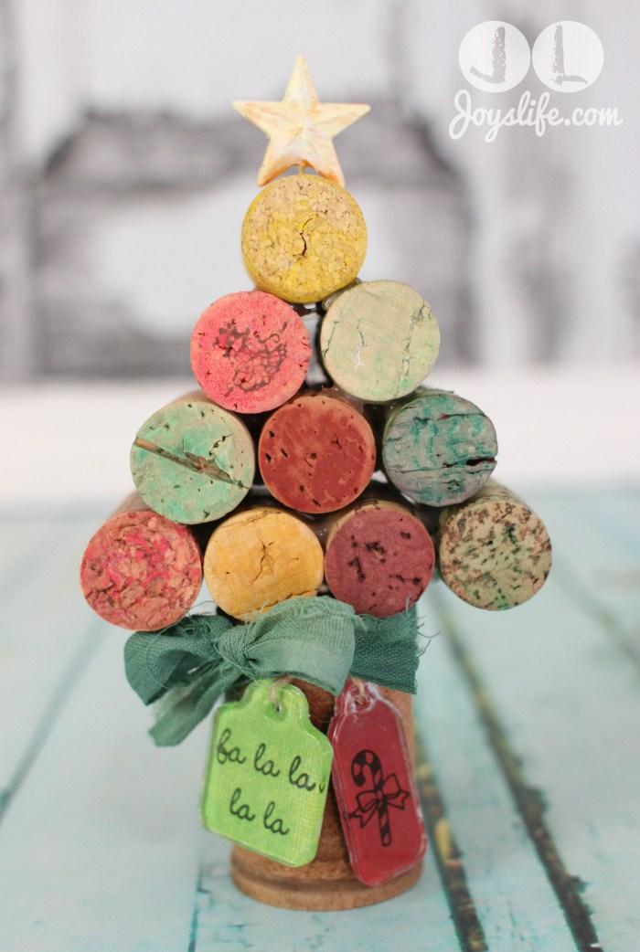 DIY colorful wine cork Christmas tree (via joyslife.com)