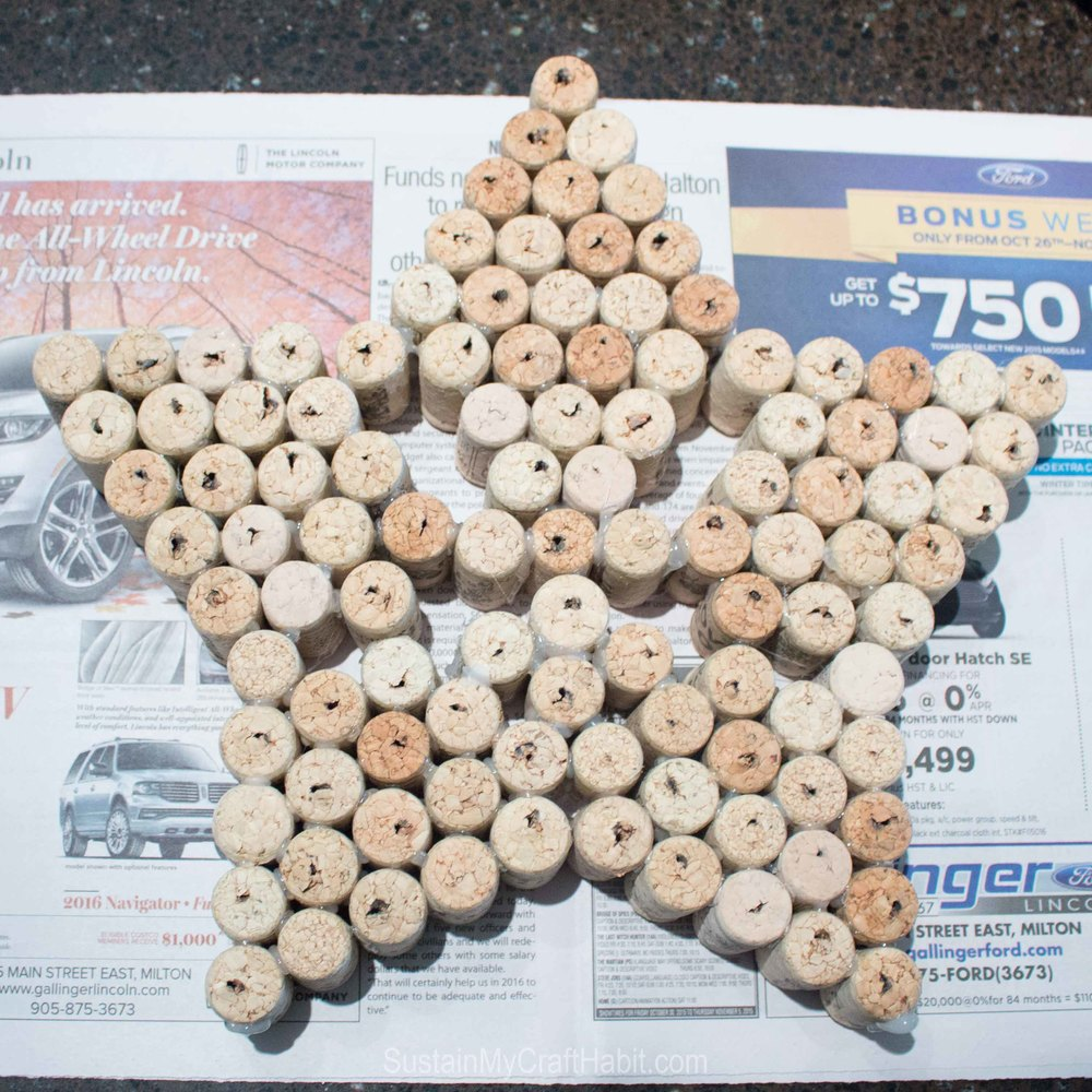 DIY sparkling star wine cork decoration