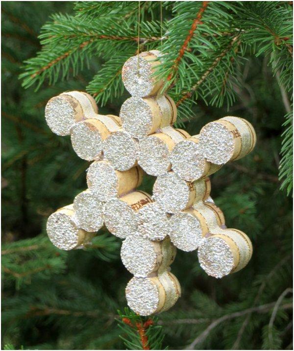 DIY cork snowflake ornament (via www.theclutchguide.com)