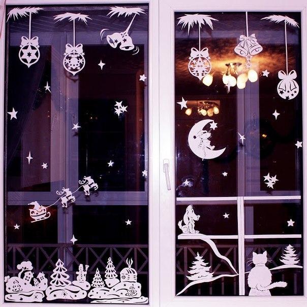 DIY paper Christmas window decorations with a free template (via www.fabartdiy.com)