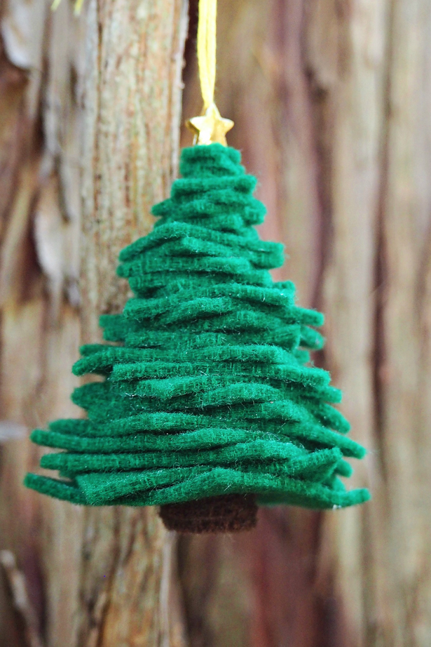 DIY green felt tree ornament with gold decor