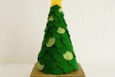 DIY scalloped Christmas tree of felt