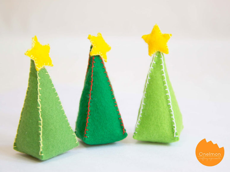 DIY mini stuffed Christmas trees (via onelmon.com)