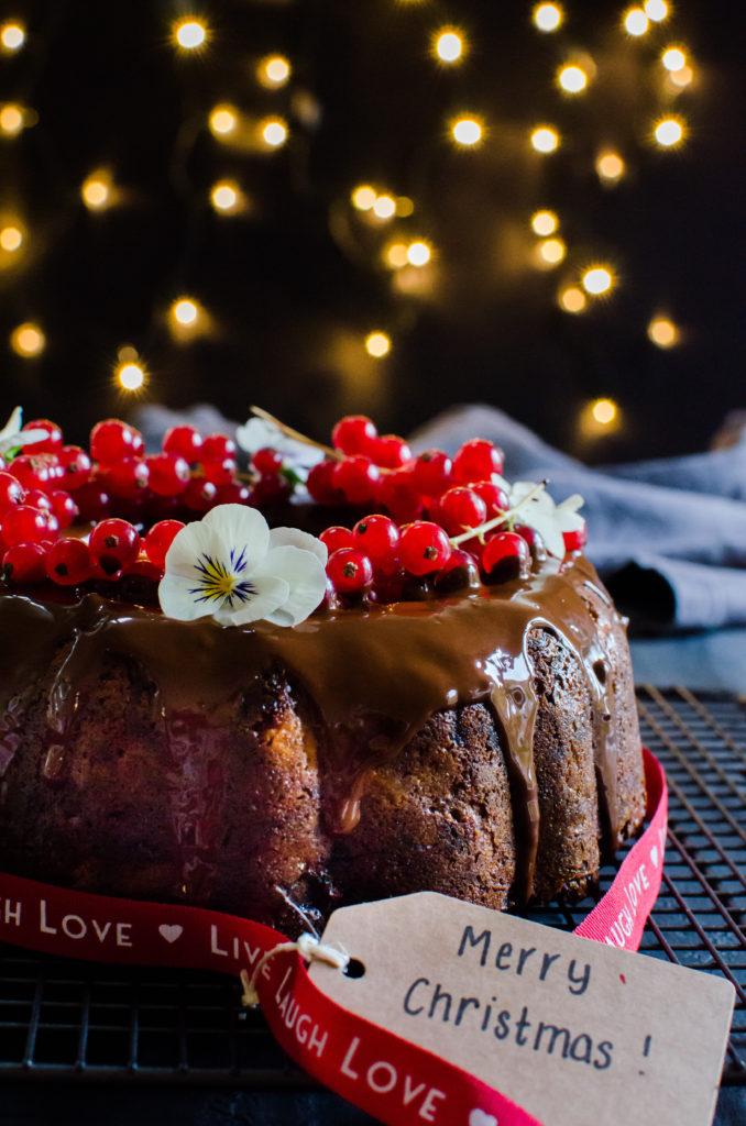 DIY guilt free bundt Christmas cake (via eighty20nutrition.com)