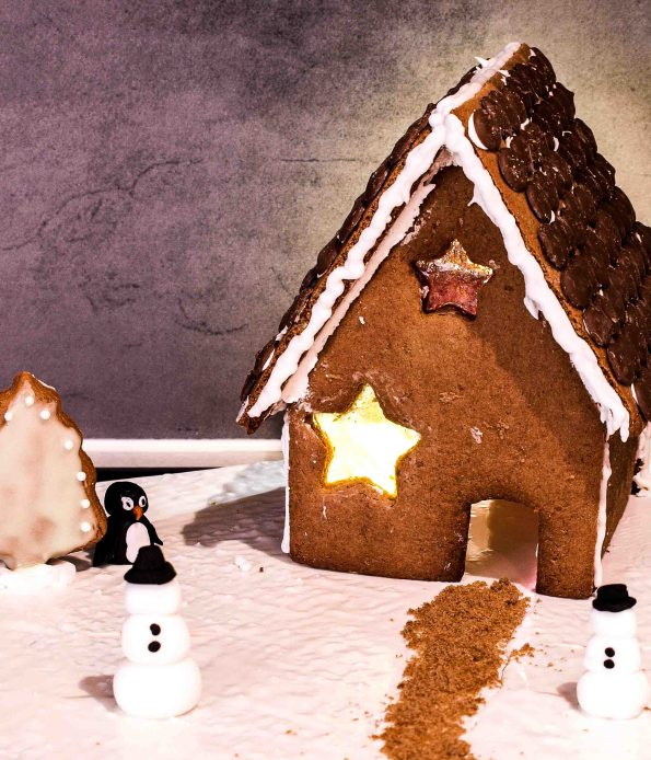 DIY gingerbread cookie house (via www.threekidsandcountingthepennies.com)
