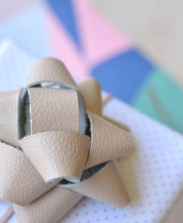 DIY leather gift bow for Christmas (via crafthunter.com.au)