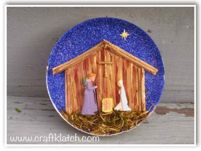 DIY nativity scene resin coaster (via craftklatchwithmona.blogspot.ru)