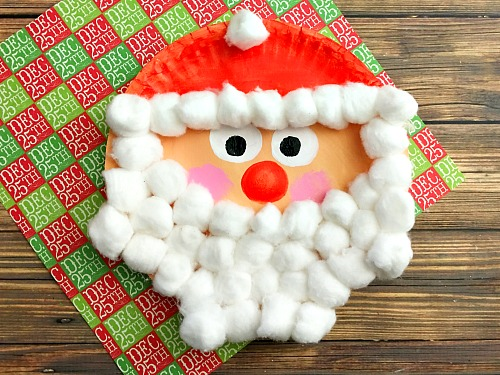 DIY Santa of a paper plate and cotton balls (via acultivatednest.com)