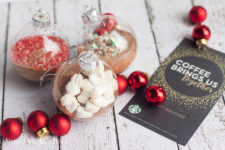 DIY hot chocolate ornament gifts for Christmas