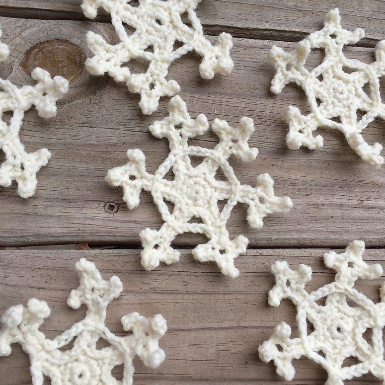 DIY white crochet Christmas ornaments (via www.handcraftedvintage.com)