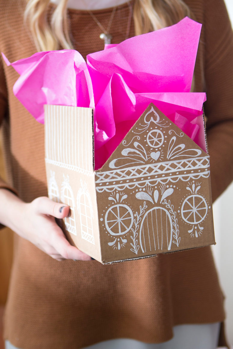 DIY gingerbread house gift boxes (via thehousethatlarsbuilt.com)
