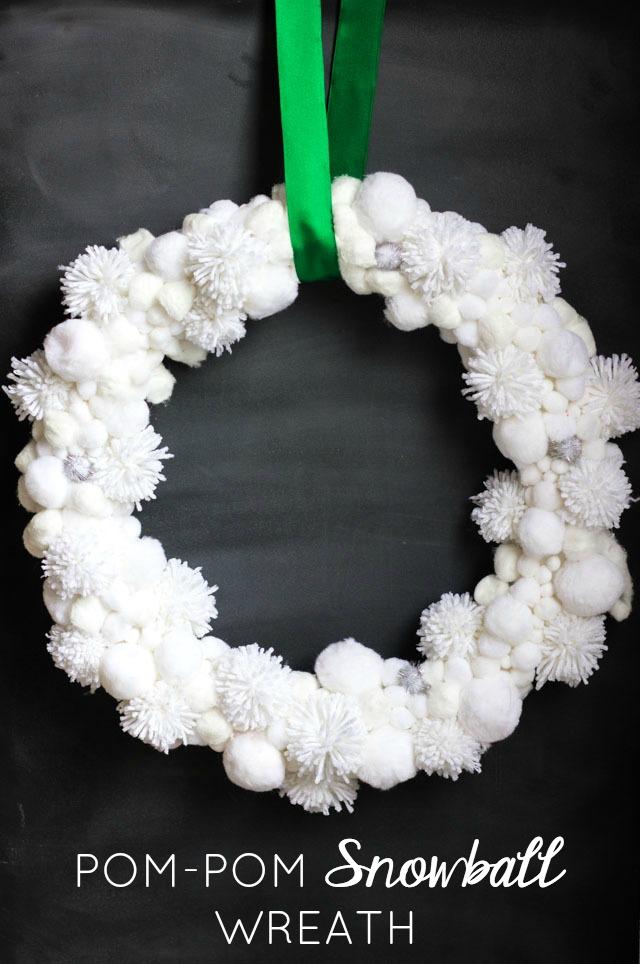 DIY pompom snowball wreath