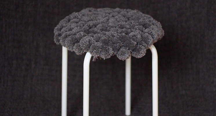 How to cover a stool with pompoms