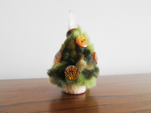 DIY pompom cork Christmas tree onrament