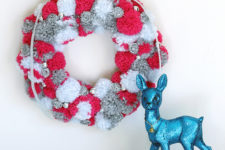 DIY red, grey and white pompom wreath
