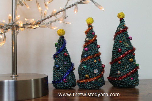 DIY knitted tabletop Christmas trees (via thetwistedyarn.com)