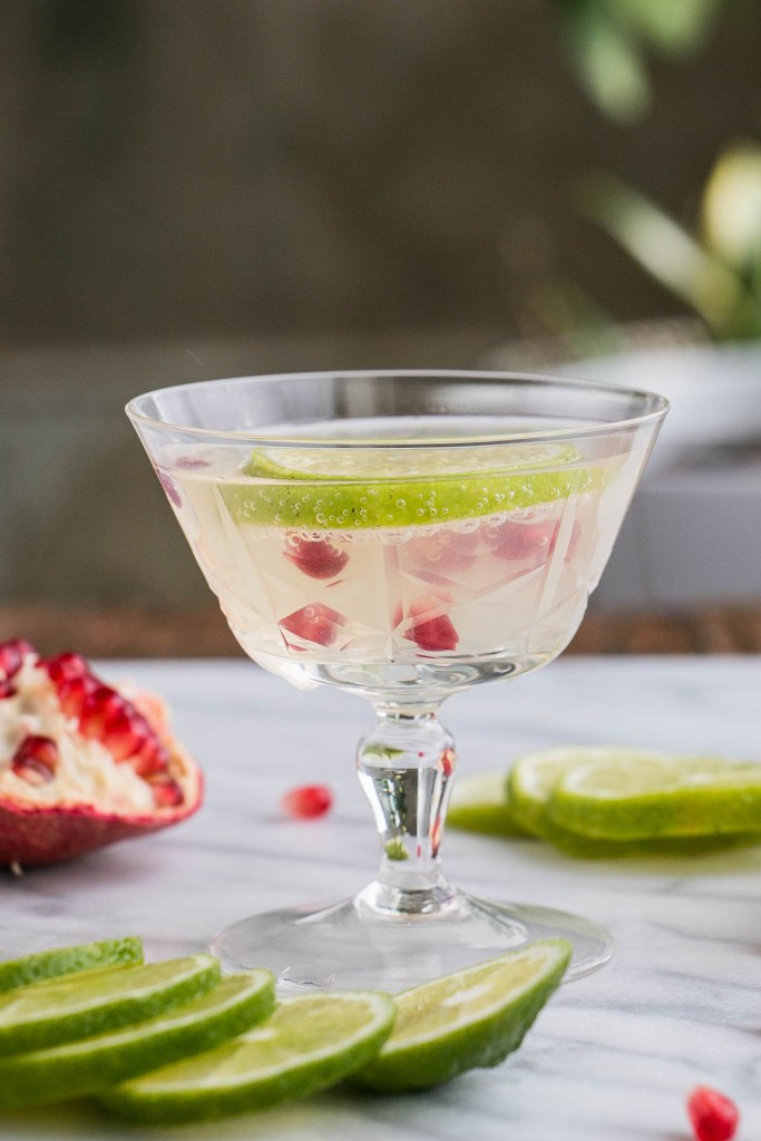 DIY pomegranate lime gimlet (via www.mykitchenlove.com)