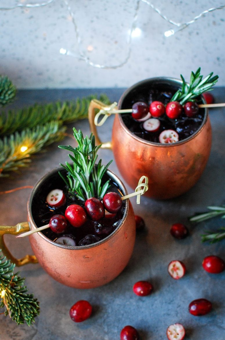 DIY cranberry Moscow Mule (via www.iheartkatiecakes.co.uk)