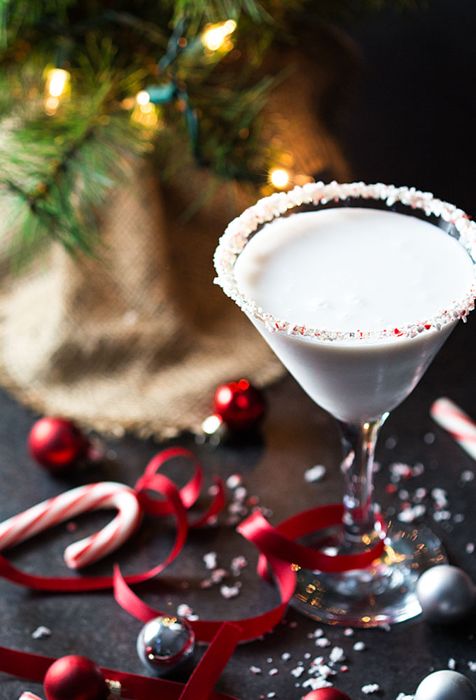 DIY peppermint mocha martini (via theblondcook.com)