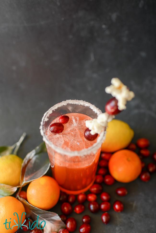 DIY Christmas cocktail (via tikkido.com)