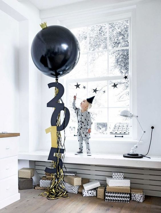 balloons of all kinds and tassels are traditional for New Year decor