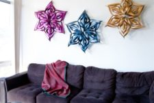 10 DIY 3D colorful snowflakes can be used for wall decor