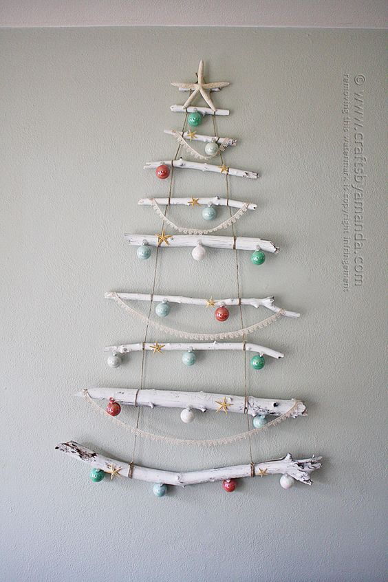 driftwood wall Christmas tree with ornaments