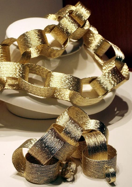 gold paper chain garland