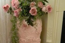 12 pink porcelain vase with pink roses for a feminine room