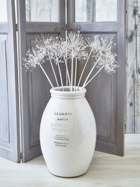 24 Floor Vases Ideas For Stylish Home Decor Shelterness