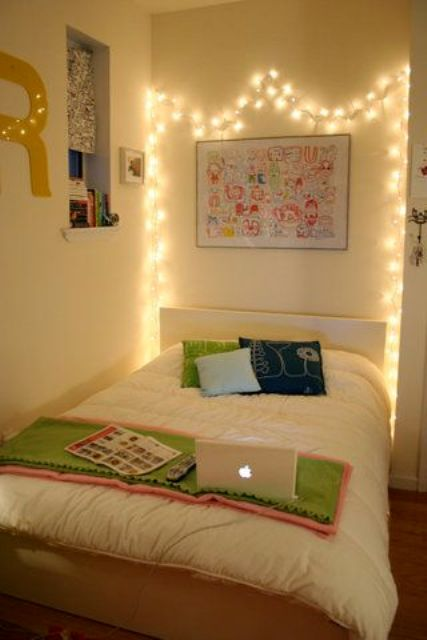 23 cool string lights ideas for your bedroom shelterness for Hostel room interior design ideas