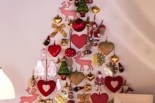 18 ornaments on the wall that form a tree