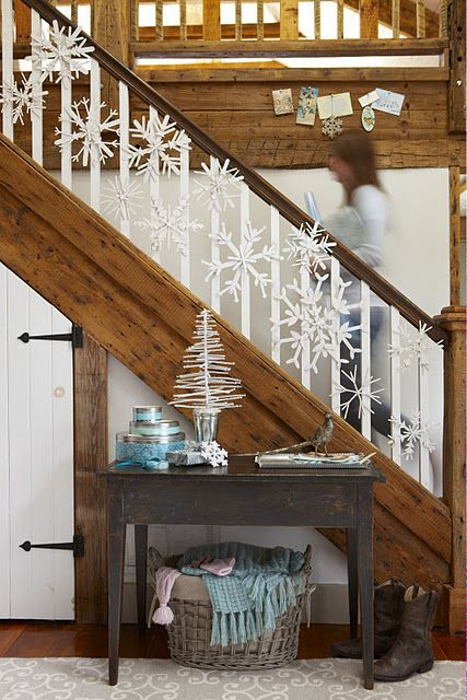 paint stick snowflakes for stairs decor
