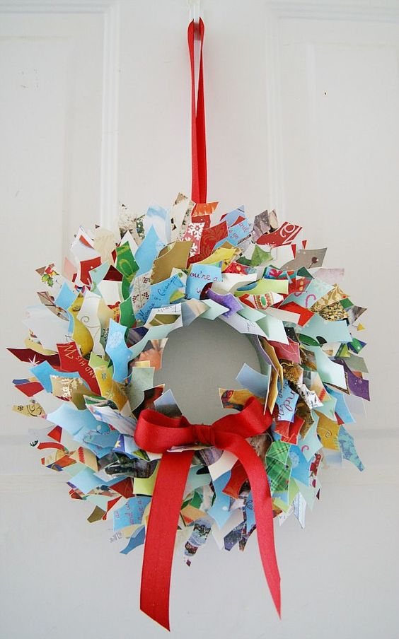 20 brilliant ideas to recycle old christmas cards for What to do with old christmas ornaments