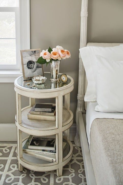 27 tiny nightstands for small bedrooms shelterness. Black Bedroom Furniture Sets. Home Design Ideas