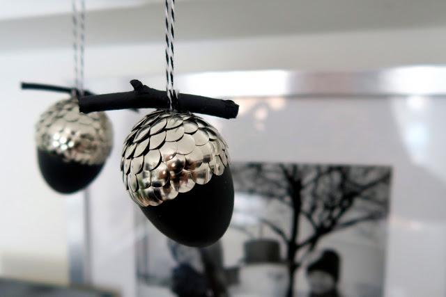 DIY Christmas ornaments with drawing pins (via https:)