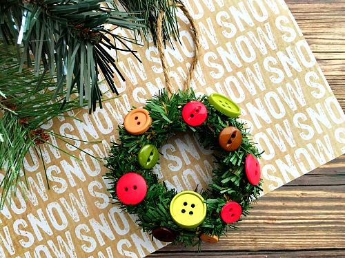 DIY Christmas mini wreath ornament with buttons (via acultivatednest.com)
