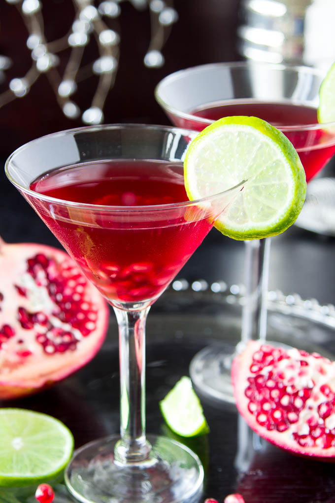 DIY skinny pomegranate martini (via www.simplehealthykitchen.com)