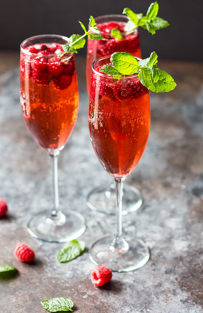 12 Cool DIY New Year Cocktails For Your Party - Shelterness